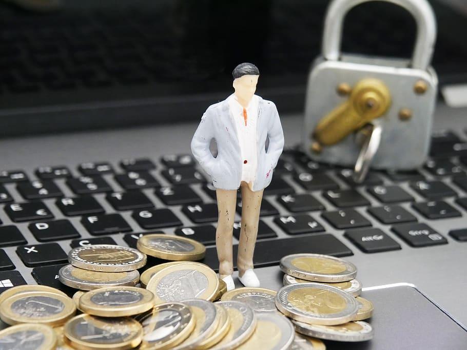Datos y dinero seguro